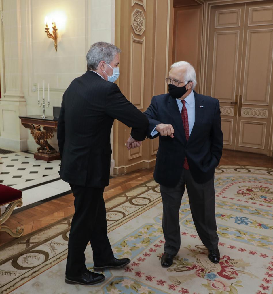 El Canciller Solá tuvo un almuerzo de trabajo con el embajador de Estados Unidos | Ministerio de Relaciones Exteriores, Comercio Internacional y Culto