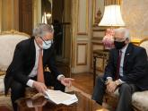 Canciller Solá con embajador Prado