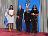 El Canciller Faurie y el Director del ISEN, Fernando Petrella, distinguen a los mejores promedios de ambas promociones