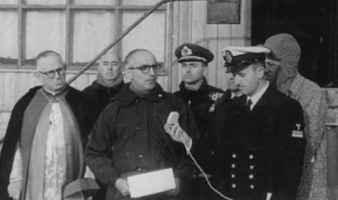 El Presidente Frondizi en la Isla Decepción, 8 de marzo de 1961.