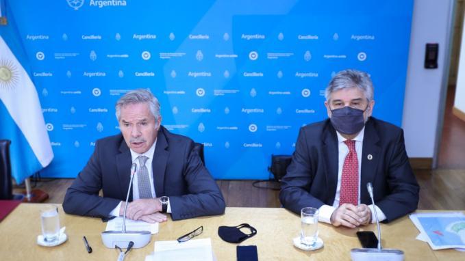 Canciller Solá y Daniel Filmus_Senado de la Nación