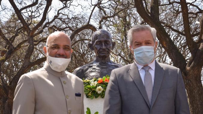 Ofrenda a Gandhi