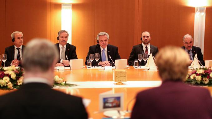 Solá acompañó al Presidente en su gira europea