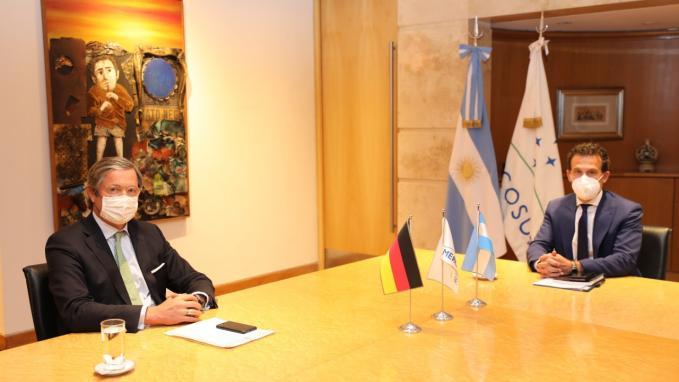Guillermo Chaves con el embajador de Alemania