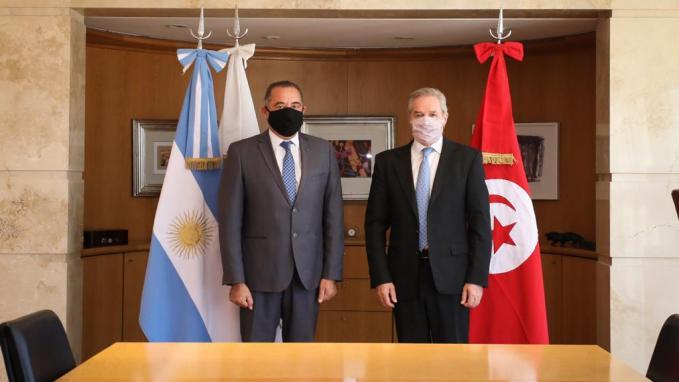 Canciller Solá con el embajador de Túnez