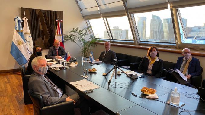 Consultas Bilaterales con Filitinas