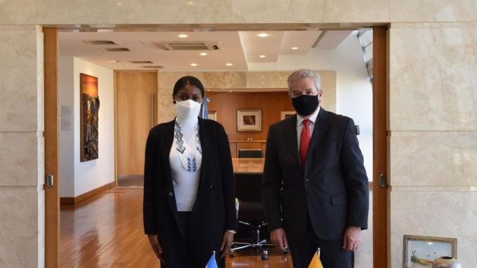 Canciller Solá y la Fiscal General de Ecuador