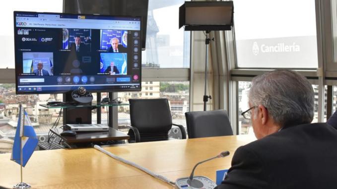 Canciller Solá en la OEA