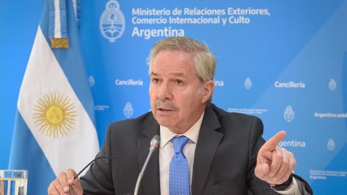 Canciller Solá en la Sociedad Argentina de Análisis Político
