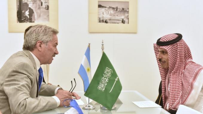 Felipe Solá_Bilateral con par de Arabia Saudita, Faisal Bin Farhan Al Saud